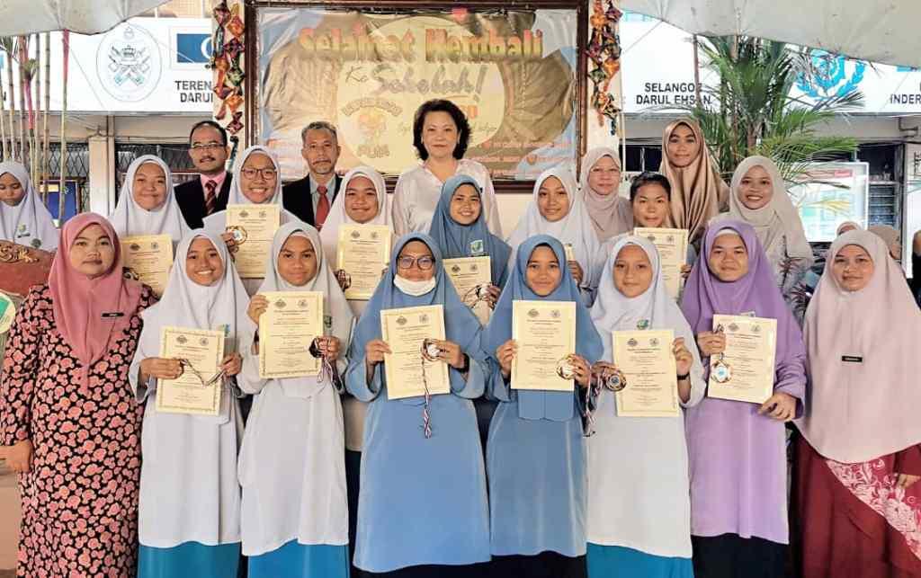 Pada hari ini, 3 Febuari 2020, majlis penyampaian hadiah dan sijil telah dijalankan di sekolah semasa perhimpunan rasmi